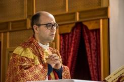 Padre Antonio Corda durante la messa della Domenica delle Palme.