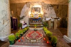L'altare della reposizione è chiamato in dialetto sibulico, che significa sepolcro. Questa denominazione è purtroppo errata. In foto l'altare della piccola chiesa della Pietà.
