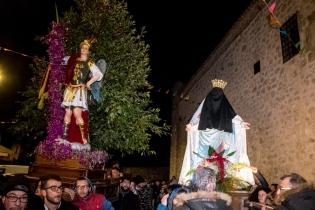 San Michele ritrova, finalmente, nei pressi dell'ex-chiesa del Salvatore, oggi in restauro, la Madonna velata, ancora ignara della risurrezione di suo Figlio.